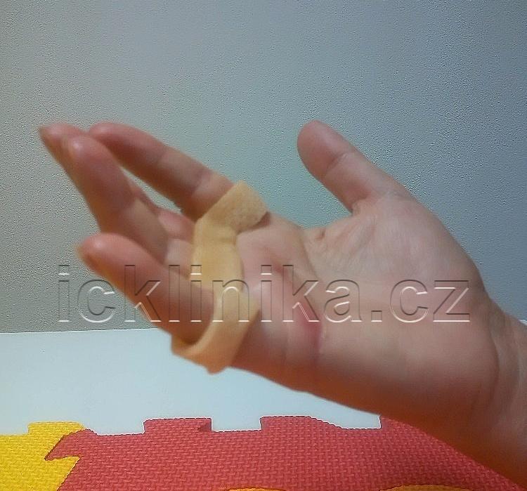 Rehabilitace ruky-dlahování7